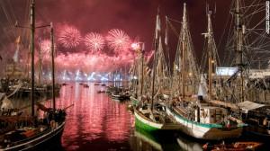 120611030323-brest-festival-fireworks-horizontal-gallery