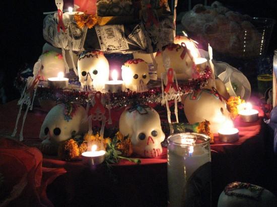 Dia-De-Los-Muertos-shrine