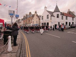 Photo 5 Anstruther Pipe Band welcome